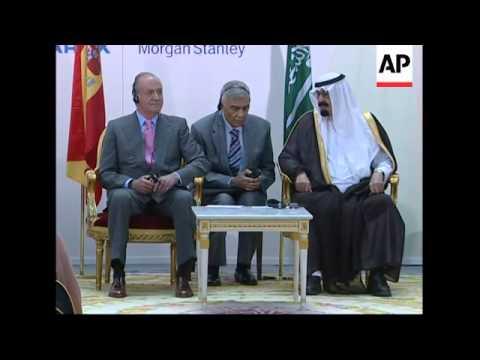 Saudi king meets with Spanish king, business leaders