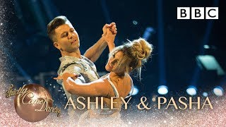 Baixar Ashley Roberts & Pasha Kovalev dance the Viennese Waltz to Perfect - BBC Strictly 2018