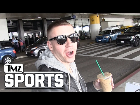 Macklemore to Marshawn Lynch: Please Don't Go to the Patriots!! | TMZ Sports