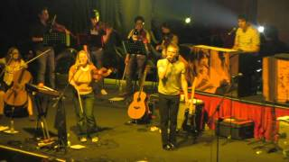 Belle & Sebastian - If You Find Yourself Caught in Love (Live in Santiago, Chile)
