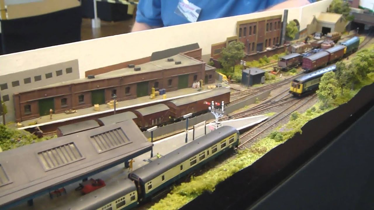 Model Railway Exhibition 2010 Pt 5 - YouTube