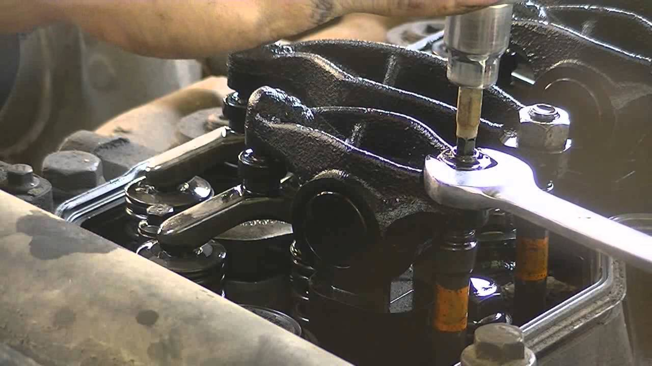 01 Cummins: Adjusting Valve Lash