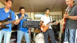 mega band_Mencari Sinar Bahagia.mp4