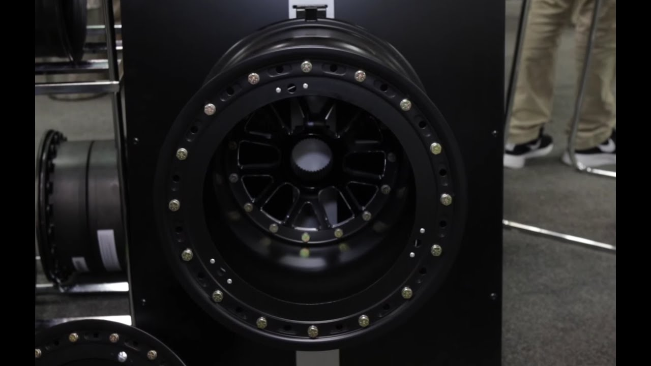 PRI 2015 - Weld\'s New KCM67 Sprint Car Wheel - YouTube