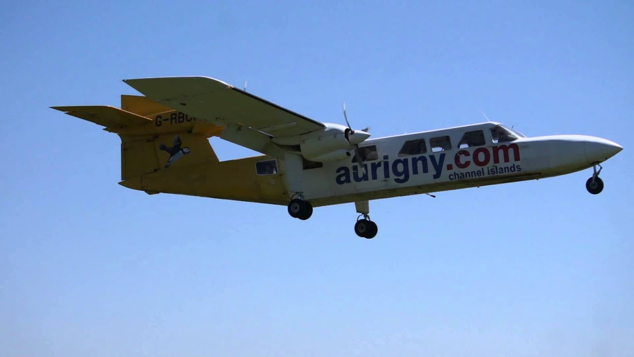 Trislander Landing Alderney Airport Egja Channel Islands Aurigny