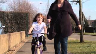 Police threat to confiscate 4yo girls bike for riding on pavement