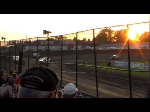 Modified Heat 2 @ Marshalltown Speedway 06/02/17