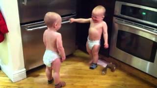 Toddlers talk funny/Малыши смешно разговаривают.(http://vk.com/sleep11 http://twitter.com/sleeep11., 2012-05-11T08:06:34.000Z)