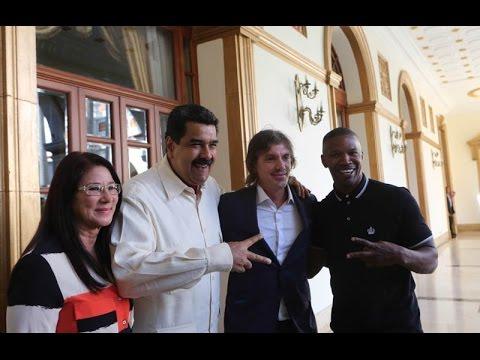 Jamie Foxx y Lukas Haas visitan al presidente venezolano Nicolás Maduro