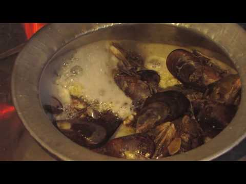 How do you cook fresh mussels? Kanyakumari Special | Village food Factory