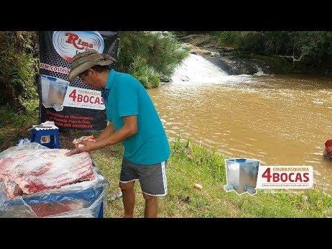 COSTELA FOGO DE CHÃO ASSADA NA CACHOEIRA NA CHURRASQUEIRA 4 BOCAS