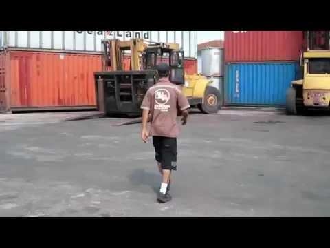 Amazing Forklift Skills
