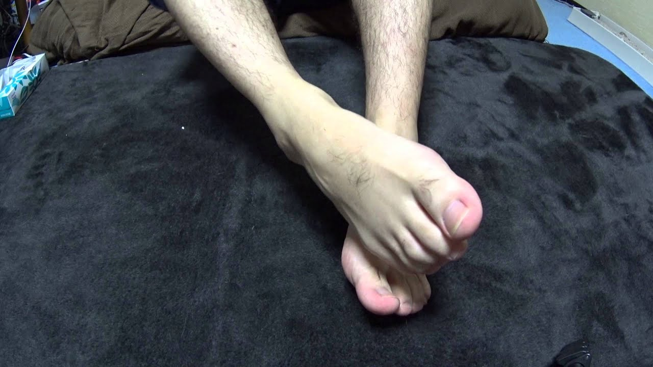 Asian mens toes agree