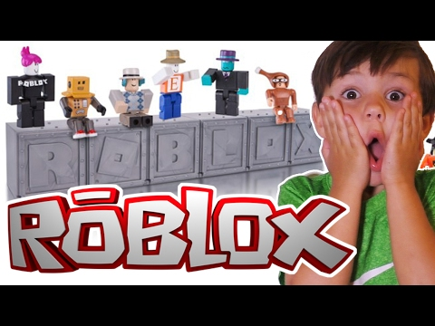 Roblox Series 1 Toys Blind Box Mystery Toy Opening
