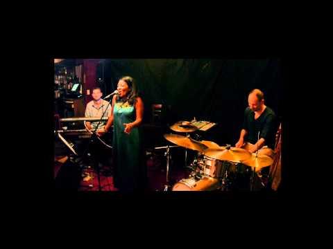 Rachel RATSIZAFY BILOVD Trio - The Music is the magic