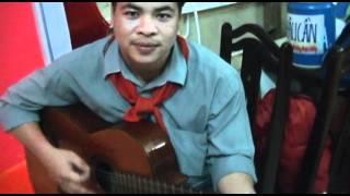 Trại hè Thanh Đa 2k12 đợt4 ( thầy Tán chơi guitar )