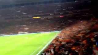 18/10/2014 Sneijder'in 2  golü sonrası Tribünler
