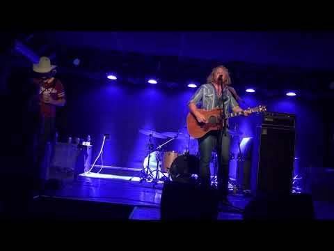 """Goner"" by William Clark Green - Acoustic live"