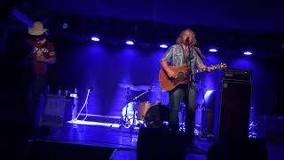 """Goner"" by William Clark Green - Acoustic live"
