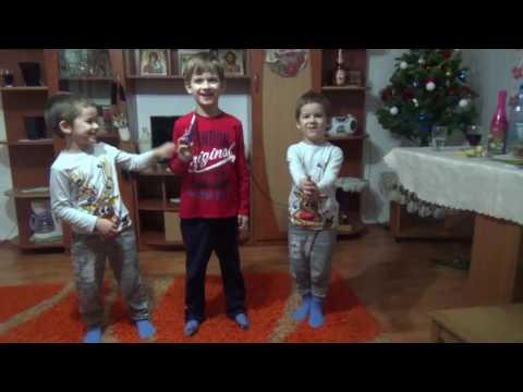 Uratura De Anul Nou - 3 Copilasi Simpatici
