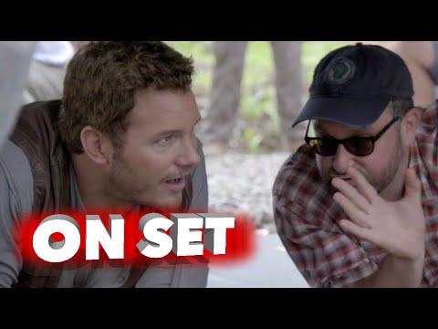Jurassic World: Chris Pratt Exclusive Behind the Scenes Featurette - Steven Spielberg
