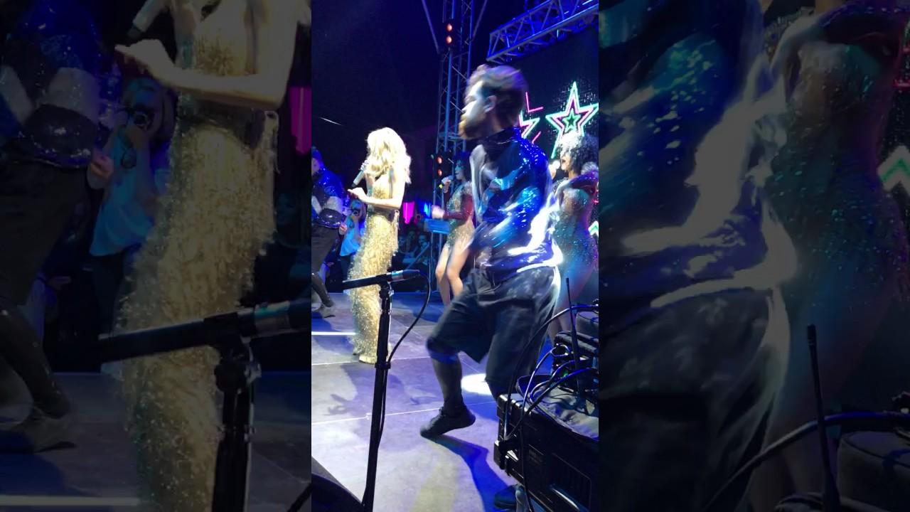 Светлана лобода танцую волосами клип