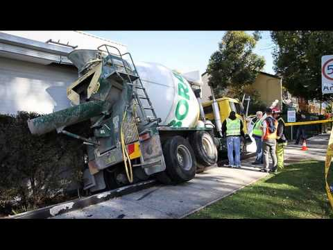 Cement Truck Accidents Cement Truck Wrecks And Crashes