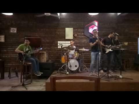 Widi Nugroho - Harus memilih ( cover Aries Tanjung feat Andromeda @karambia cafe Batam)