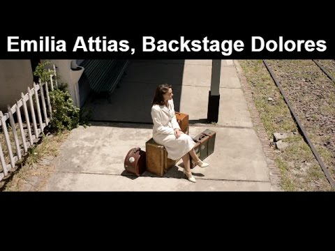 Emilia Attias en el backstage de Dolores, con Guillermo Pfening, Mara Bestelli y Roberto Birindelli.