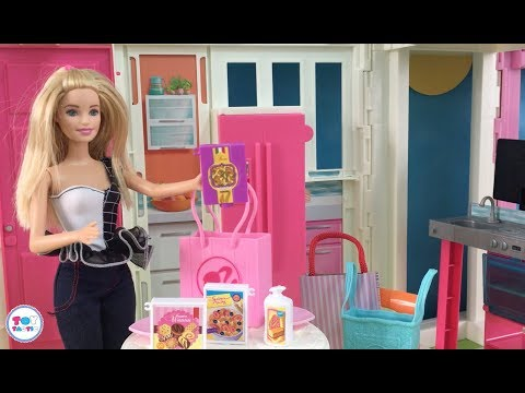 Barbie Doll house Shopping! Barbie and Ken Live in the Dreamhouse! Groceries & New Barbie Outfit!