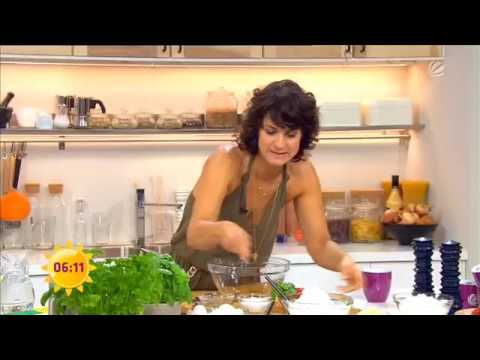 Marlene Lufen zeigt tiefen Ausschnitt- mega downblouse from YouTube · Duration:  34 seconds