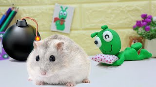 PEA PEA Transforms Into A Hamster - Stop Motion Play Doh Cartoons