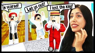 WE GOT LOCKED IN OUR HOTEL ROOM! OUR VACATION IS RUINED! - Roblox Roleplay