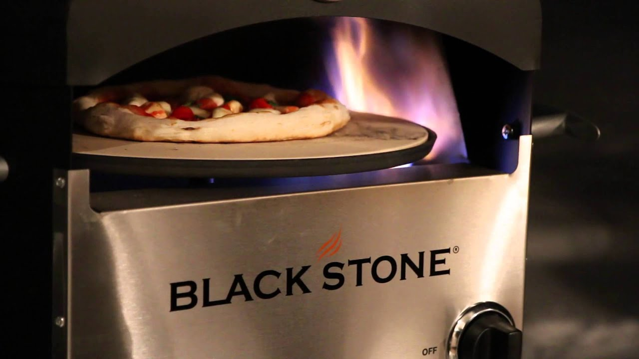 Merveilleux Blackstone Pizza Oven   First Pie   YouTube
