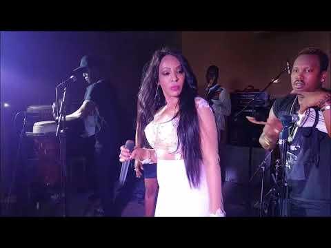 Le show en live de Viviane à Mataro