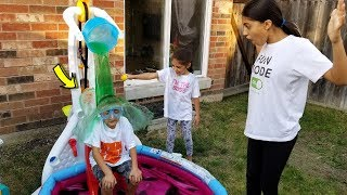 Kids Pretend Play with Inflatable Swimming Pool & Slime Toys