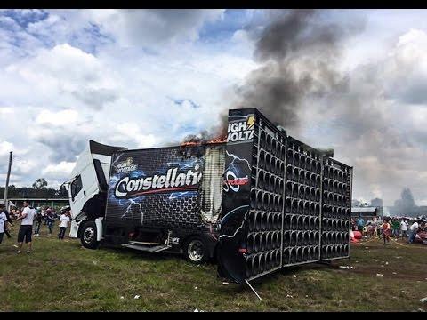 Caminhão Constellation G2  Pega-fogo-em-evento de Som Automotivo