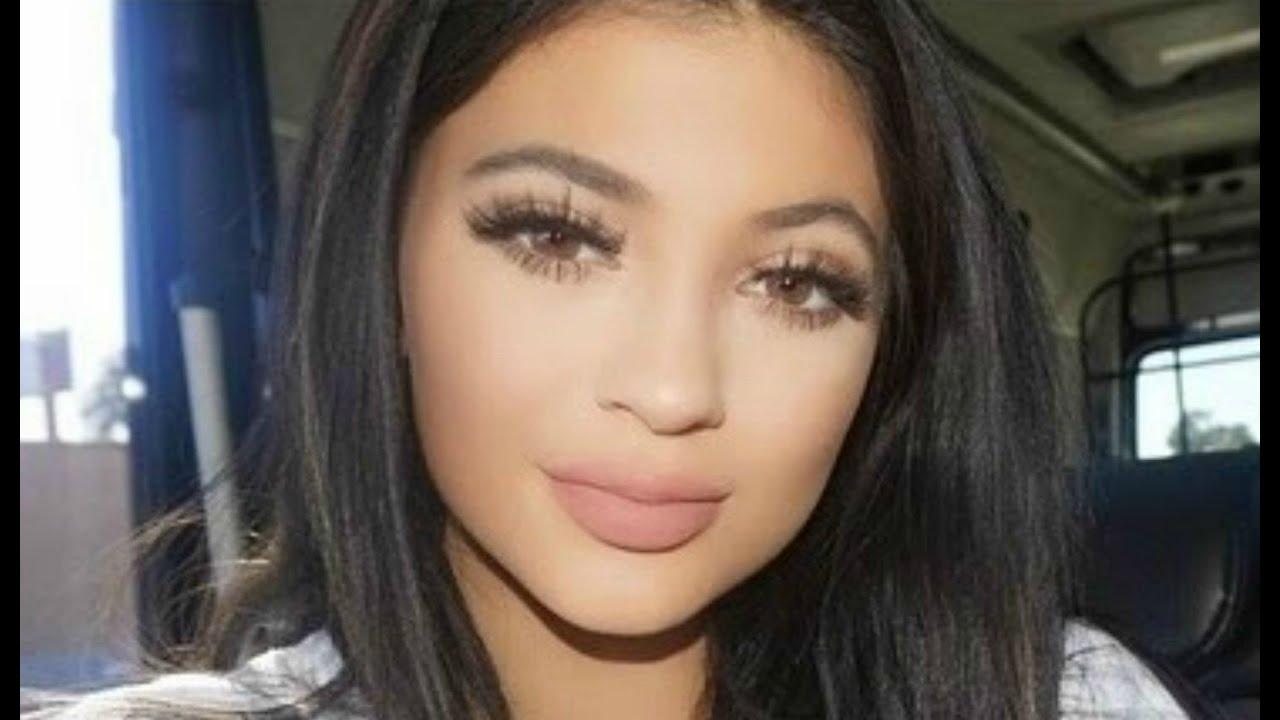 Kylie Jenner Makeup Tutorial : Natural Glam & Big Lashes