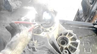 видео Ремонт механической коробки переключения передач (МКПП) в Москве