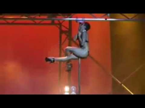 Видео у шеста супер африканская