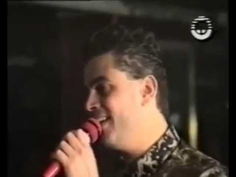 عمرو دياب يؤدي موالًا خلال حفل في لبنان