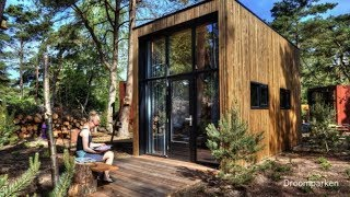 "Gorgoeus Contemporary Tiny Home Named ""de Zanding"""