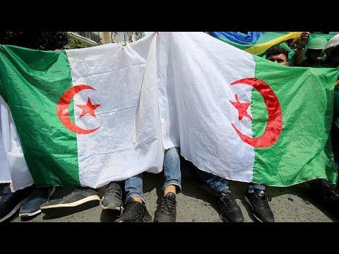مقابلة: -حملة الاعتقالات والتحقيقات في الجزائر تجسد مبدأ دولة القانون واستقلال القضاء-…  - 17:54-2019 / 4 / 23