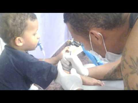 Pai Faz Tatuagem No Filho De 2 Anos