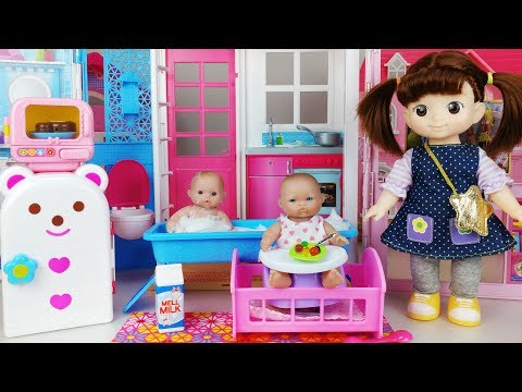 Thumbnail: Baby doll house Kitchen Toys Refrigerator and bath play baby sitter 아기인형 하우스 부엌 주방놀이 목욕놀이 뽀로로 장난감