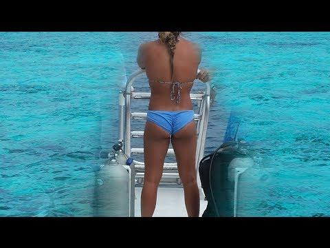 Grand Cayman Boat Cruise Down 7 Mile Beach