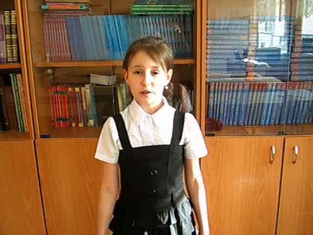 Изображение предпросмотра прочтения – АлинаГалимова читает произведение «Свинья» И.А.Крылова