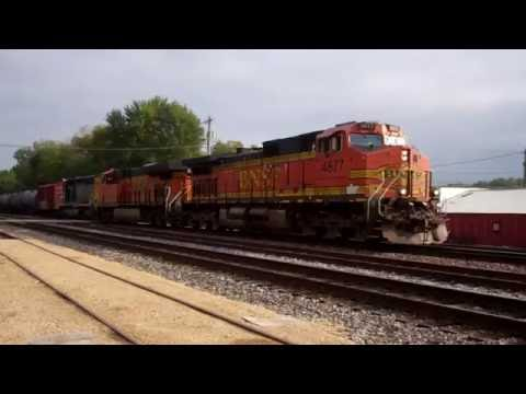 200th Subscriber special part 2: Trains of the BNSF East Dubuque & Savanna, IL 09/24/16-09/25/16