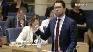Stefan Löfven GÖR BORT SIG!! Kan inte läsa en budget och förstår inte parlamentarismen!