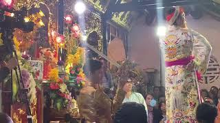 Nghệ sĩ hoài linh hầu khai đền tại đền mẫu phương anh thượng đẳng thần tại chùa đông duy